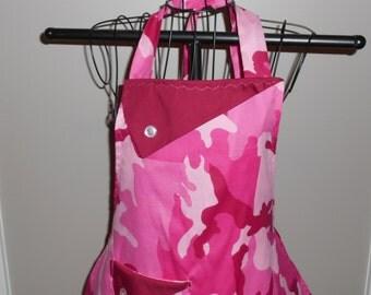 Pink Camo Women's Apron