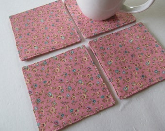 Set Of 4 Fabric Coaster/Small Flower On Pink