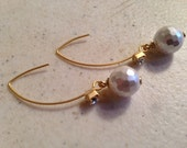 White Pearl Earrings - Pearl Jewelry - Pearl Wedding Jewellery - Gold Jewelry - June Birthstone - Bride - Fashion - Glam - Luxe