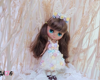 Middie II Petite Chica II PVC dolls Secret Flowers dress