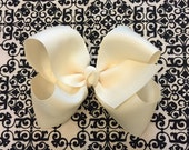 Ivory Large 5.5 inch Boutique Hairbow