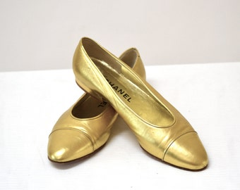 Vintage Chanel Flats size 7 Gold Metallic Ballet Shoes// Vintage Chanel Slip On Flats Gold Made in Italy