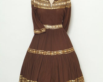 Vintage Dress / 1950's Two Piece / Patio Dress Squaw Dress  / 50s 40s / Brown / Pinup / 50s Dress / Two piece / Western set /Skirt & Blouse