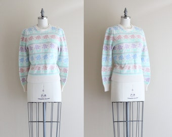 SALE - 80s Pastel Sweater . Winter Womens Sweater . Floral Knit Pullover Sweater