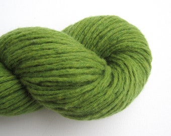 Super Bulky Weight Recycled Merino Wool Yarn, Grass Green, 150 yards, Lot 070416