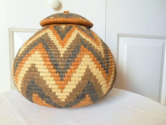 vintage woven african basket with lid. Black Bedroom Furniture Sets. Home Design Ideas
