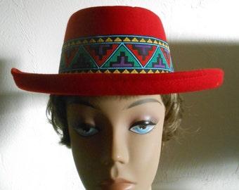 intage 1970s red wool felt southwestern top hat, size Medium