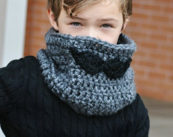 Ready to ship Toddler Size Mustache Cowl in gray Chunky Warm Cowl neck warmer scarf for toddler boys and girls