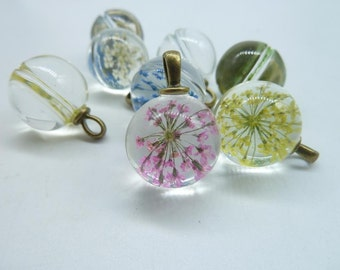 4pcs Mixed  18mm Handmade Dried Flowers Glass Cabochon Pendant Charms With Antique bronze  bail