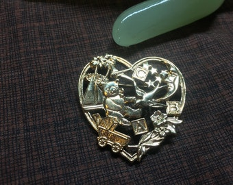 """Vintage 2"""" Goldtone Heart Baby Themed Character Inside - Teddy Bear Carriage ... Pin"""