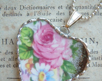 Fiona & The Fig Vintage-EXTRA LARGE-Broken China Soldered Necklace Pendant Charm-Jewelry