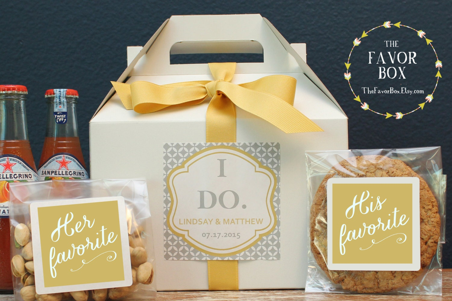 Gift Ideas For Wedding Guests At Hotel: Set Of 6 Out Of Town Guest Box // Wedding Welcome Box