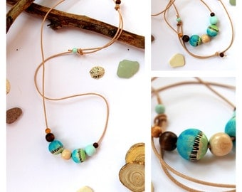 Wood necklace handpainting beads blue/brown/green