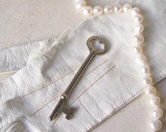 Vintage Skeleton Key Victorian Key Pendant Cabinet Key Vintage ca. 1930