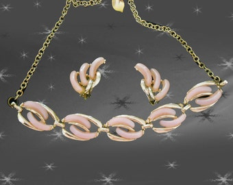 1950s Pink Necklace Set - Vintage Necklace & Clip On Earrings - 50s Pink Lucite Thermoset