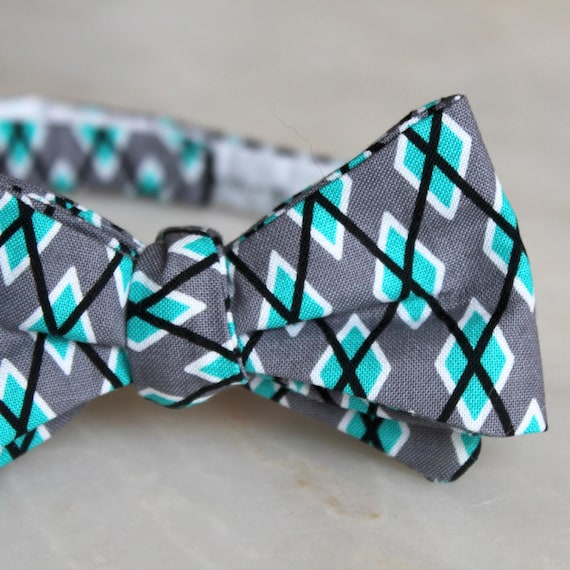 Men's Gray and Turquoise Argyle Plaid Bow tie - clip on, pre-tied with adjustable strap or self tying - ring bearer outfit, groomsmen gift