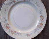 Sweet Vintage Homer Laughlin China Plate - Georgian Pattern (Made in the USA)