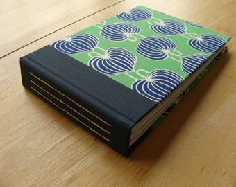 5x7 Photo Album in Kelly Green & Navy Blue Fabric/ 4x6 or 5x7 Photo Scrapbook/ Guest book
