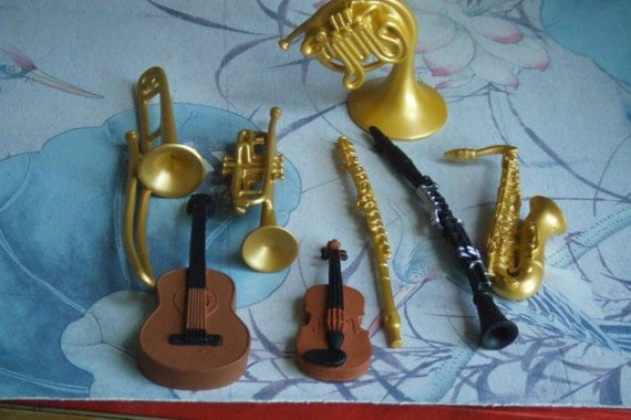 Cake Decorations Musical Instruments : 8 Musical Instruments. Cake Toppers. Group of 8 Figures ...