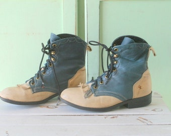 Vintage LAREDO Boots...size 6.5 womens...blue leather boots. tan. indie. leather boots. designer. western. urban. laredo.  vintage boots.