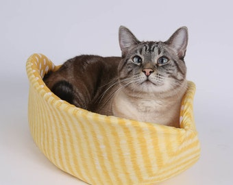Spring Color Cat Canoe Kitty Bed in Yellow Tabby Stripes