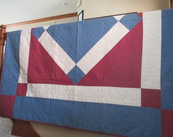 Vintage Central Diamond Quilt - Hand Quilted