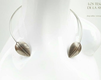 leaves torc necklace