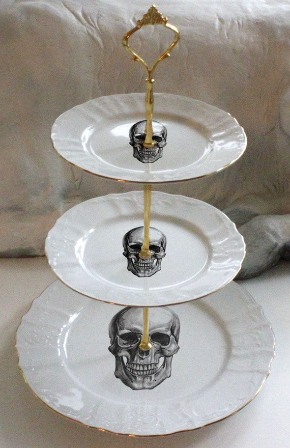 3 tiered skull cake stand halloween cake stand halloween for Cupcake stand plans