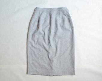 vintage Pendleton skirt / light gray wool pencil skirt / medium / size 6