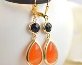 Black and Orange Halloween Earrings.  Black and Orange Dangle Earrings in Gold. Halloween Jewelry. Giants Colors. Drop Earrings. Gift.