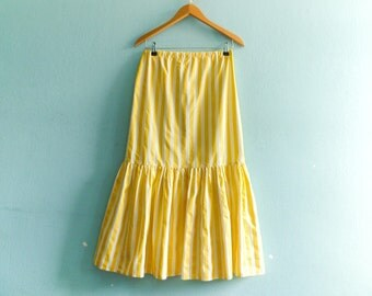 Vintage summer skirt / yellow white / stripes striped / wiggle skirt pencil skirt fit n flare ruffle / 80s / midi / medium