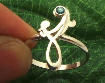Mother and Child Infinity Knot Ring - Mom Gifts - Celtic Mother's Day Jewellery - New Mommy Gifts - Gift ideas for mums