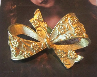 Vintage Embossed Gold Bow Brooch - Vintage Bow Brooch - Gold Brooch - Bow Pin - Gold Pin - Bow Shape Brooch - Bow Shape Pin - BR-313