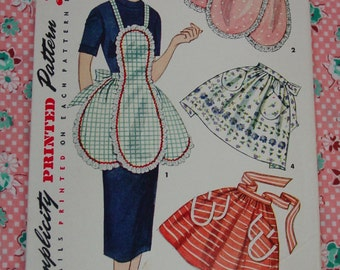 Vintage Pattern c.1943 Bib and Half Aprons, One Size, 1 Yard Apron