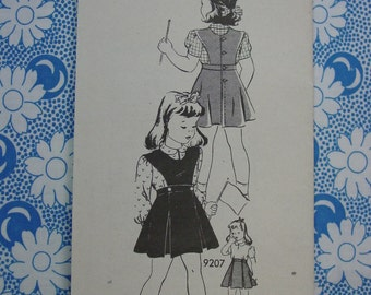 Vintage Pattern Mail Order Marian Martin No.9207 Girls Jumper,Skirt,Blouse Sz.4