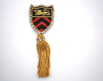 Vintage Military Emblem Brooch Gold Tassels Statement Fringes Pin Lion Coat Of Arms Red Black Gold Applique Badge Rhinestones Chevron Arrows