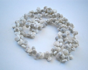 Vintage Natural Umbonium Tiny Shell Lei Hawaiian Slip On Necklace Miniature Seashells Single Strand Beach Island Wedding Villacollezione