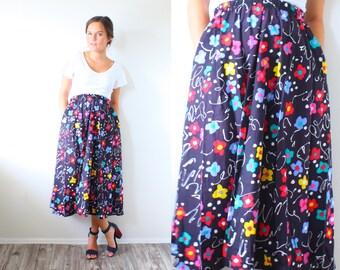Vintage black floral full circle skirt // Midi skirt // Fall summer skirt // floral boho // hippie // navajo skirt // small medium