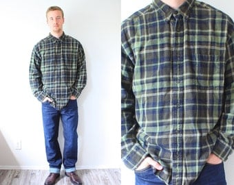 Vintage green checkered mens shirt // plaid fall shirt // long sleeve shirt // flannel // mens flannel // large shirt // lumberjack shirt