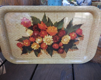 Vintage 1960s to 1970s Metal Rectangle Tray Tin Flowers Maple Leaves Dried Mums Fall/Autumn Basket Look Decor