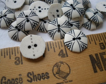 """Cool Vintage Novelty Ivory Octagon Buttons Black etched pattern 9/16"""" 22L 14MM 2 hole sew on retro kitsch sewing scrapbooking tag supply"""