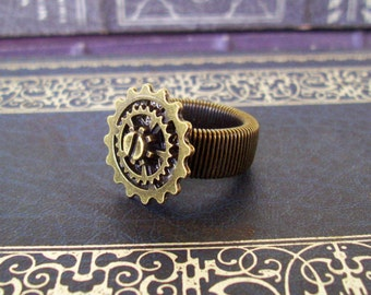 Steampunk Gear Ring (R600) Bronze, Expandable Ringband Fits Sizes 8 Thru 10, Coil Band, Layered Gear, Unisex Ring