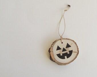 Wood Pumpkin Ornament, 3 Halloween Gift Tags, Wood Slice Halloween Ornament, Recycled Wood Ornament, Rustic Halloween, Aspen Jack-O-Lantern