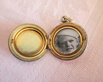 vintage 12K GF locket - sailor, round, etched, floral, romantic