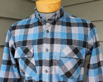 vintage 50's - 60's -Carneiro- Men's Long sleeve - Flannel shirt. Tiny button down collar. Wool - Box Plaid. Small. Made in Portugal