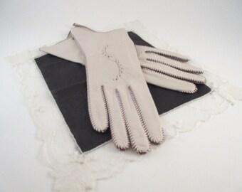 Vintage Women's Gloves Luxurious White Lambskin Brown Stitching Size 6 1/2