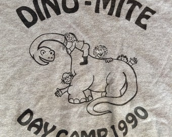 1990 Dino-Mite Daycamp t shirt USA large
