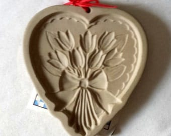 Vintage Brown Bag Cookie Mold - Heart With Tulips - 1989