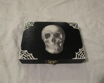 Anatomical Skull and Cobwebs Double Compartment Keepsake Box