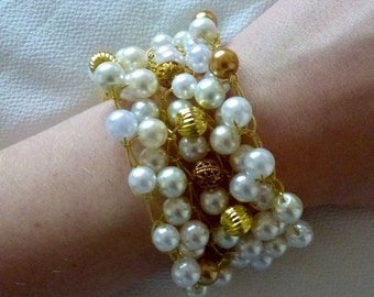 Pearl and gold knitted bracelet